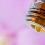 Boca de botella con aceites esenciales